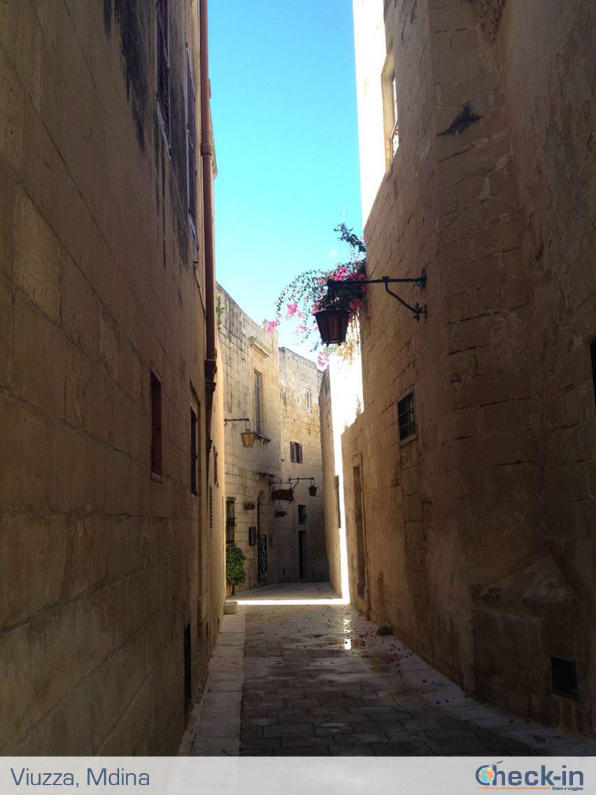 Viuzza nel centro di Mdina, isola di Malta