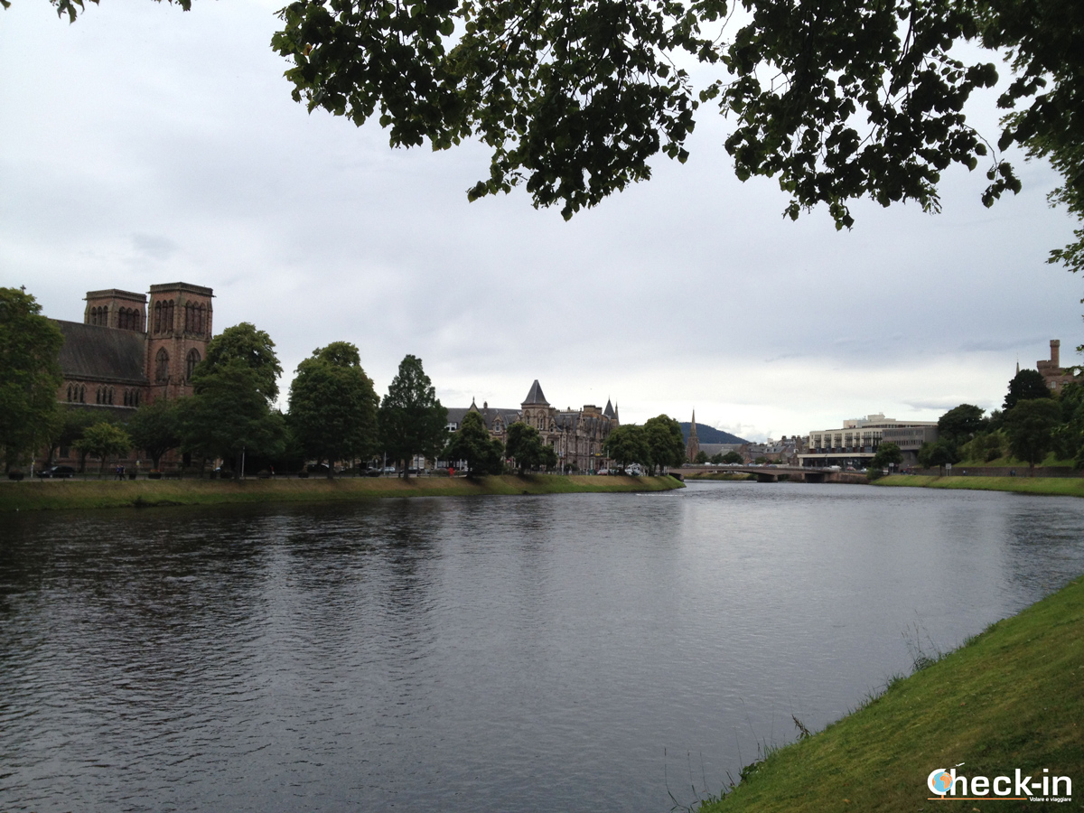 Scozia settentrionale: il lungofiume Ness di Inverness
