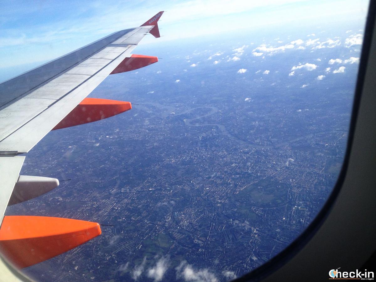 In arrivo all'aeroporto di London Luton con Easyjet e pronto per visitare Londra