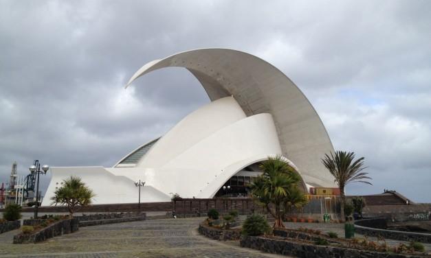 Viaggio alle Canarie: arrivo sull'isola di Tenerife e primi scorci della capitale Santa Cruz