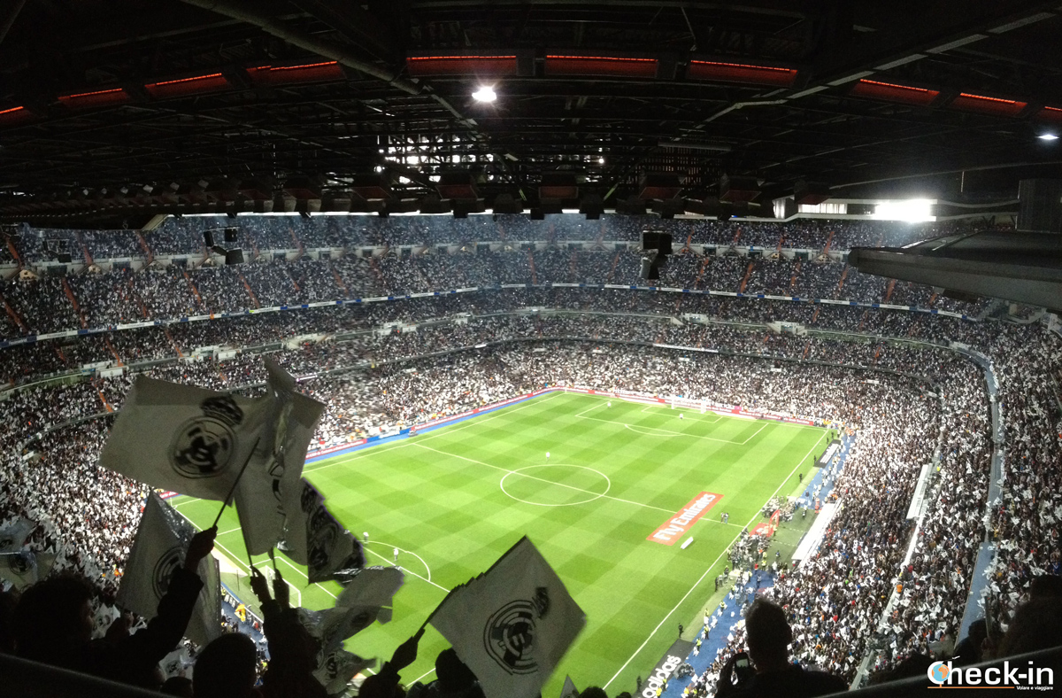 Coreografia al Bernabéu per il Clásico 2014