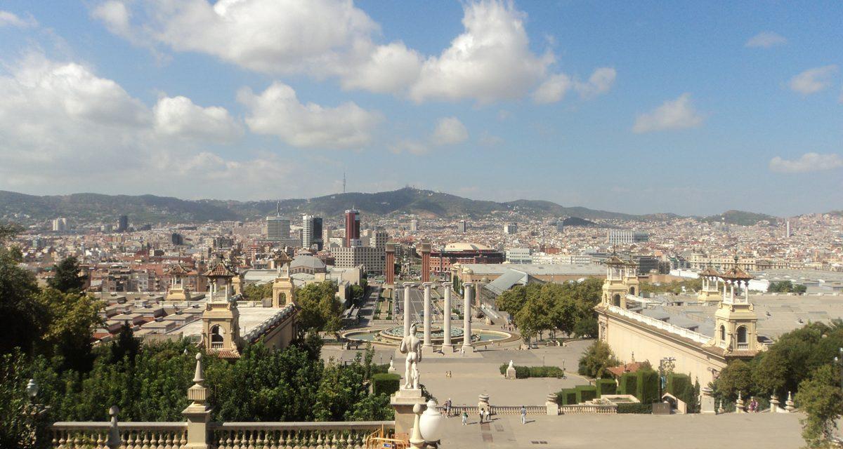Montjuic, la collina panoramica di Barcellona dominata dal Castello. Come arrivarci in teleferica.