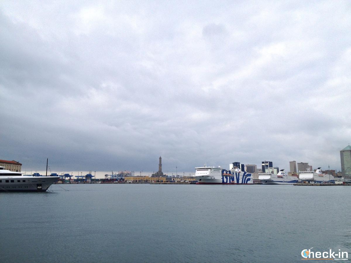 La Lanterna di Genova vista dal Porto Antico
