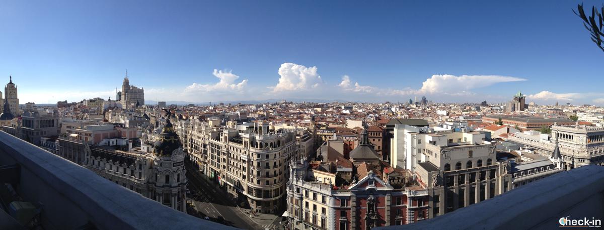 Vista panoramica su Madrid da calle Alcalá