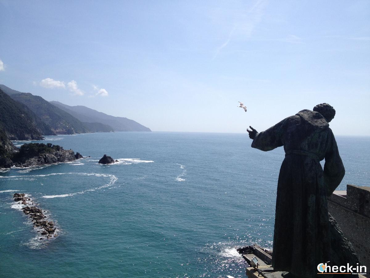 Monterosso al mare: il colle con la statua di S. Francesco d'Assisi
