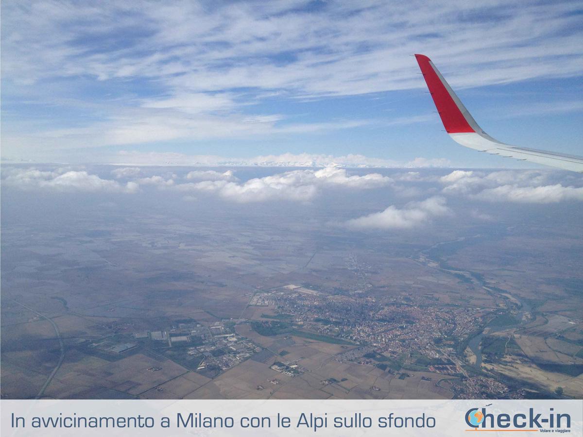 Da Madrid a Milano, in fase di avvicinamento a Malpensa con le Alpi sullo sfondo