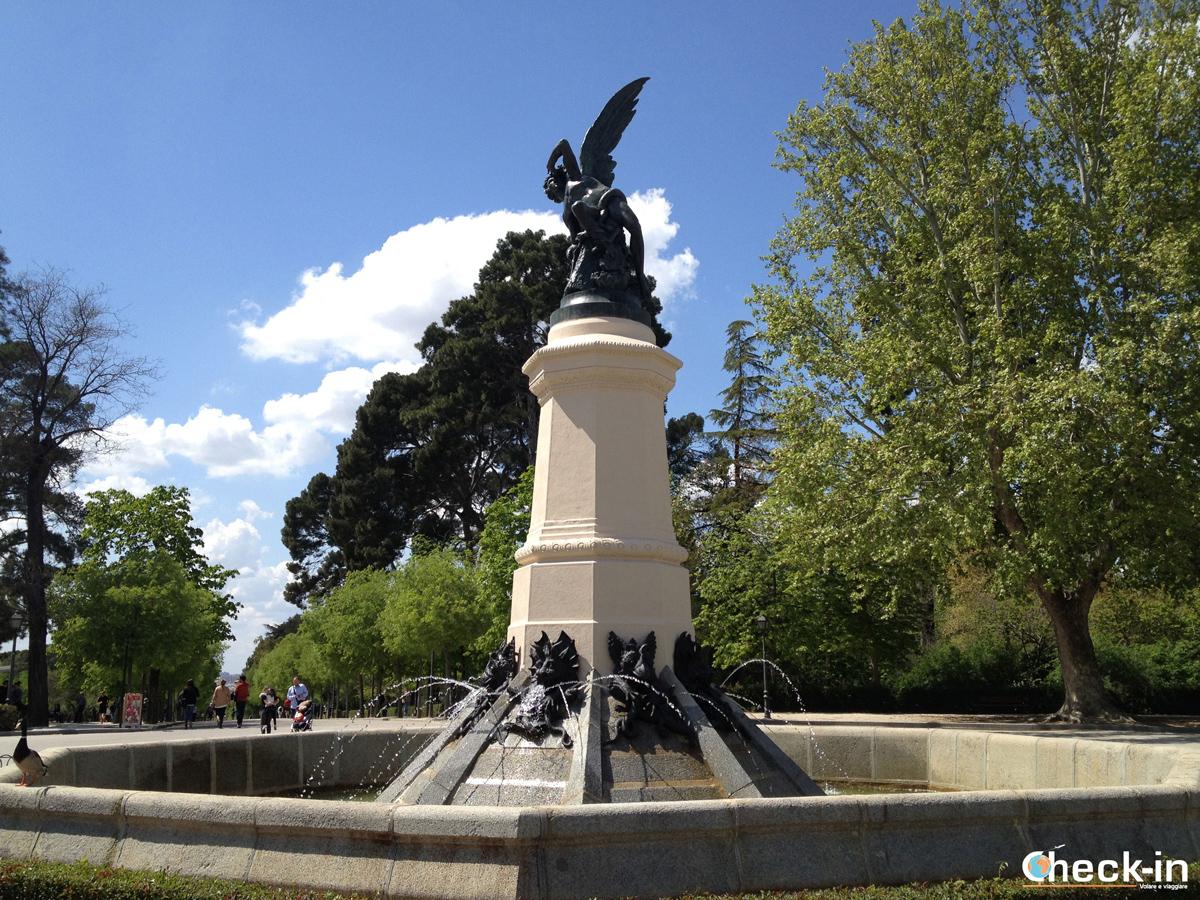 Lucifero a Madrid: la fuente del Ángel Caído all'interno del parco del Retiro
