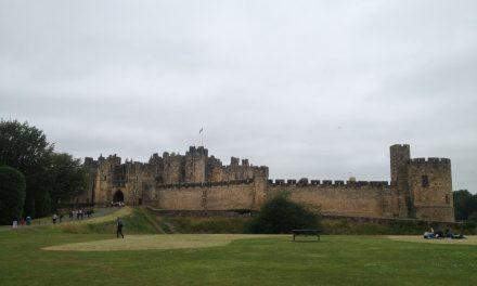 Tour tra Scozia e Inghilterra, escursione da Edimburgo per visitare la Rosslyn Chapel ed il Castello di Harry Potter.