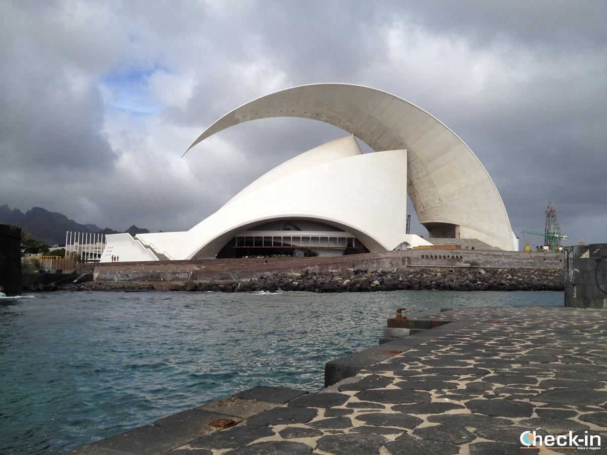 Vista panoramica dell'Auditorium di Tenerife di Calatrava