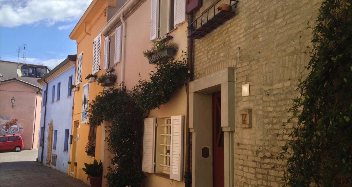 San Giuliano, cosa vedere nel borgo collegato a Rimini dal Ponte di Tiberio