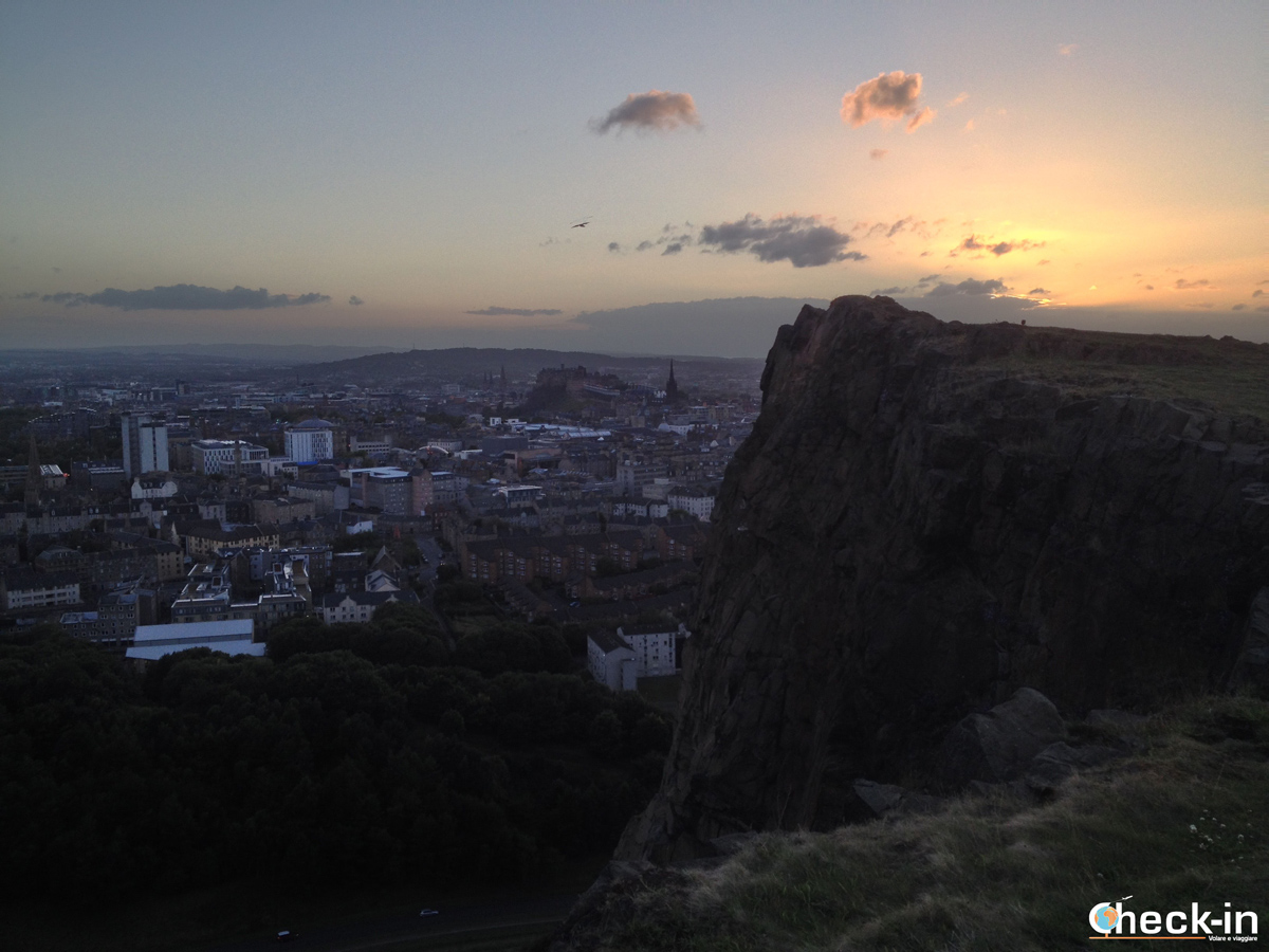 Holyrood Park: tramonto su Edimburgo