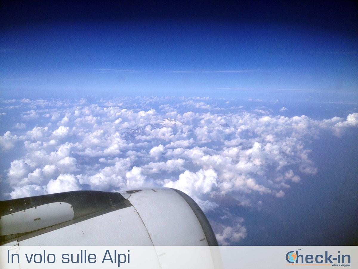 In volo da Milano ad Amsterdam con vista sulle Alpi