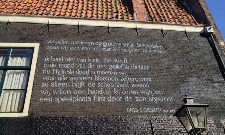 Leiden, un itinerario alla scoperta delle poesie dipinte sui muri della città olandese