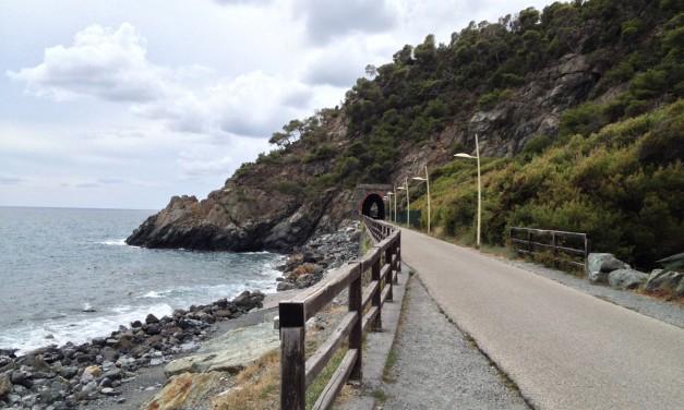Itinerari in Liguria: la passeggiata lungomare Europa tra Cogoleto e Varazze nella riviera di Ponente