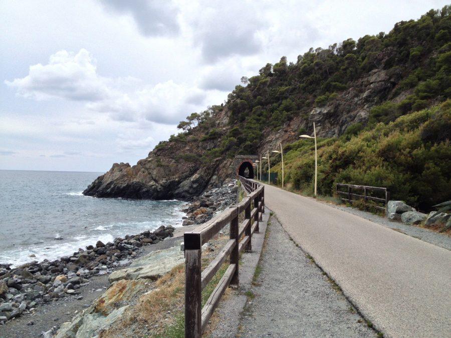 Scorcio della passeggiata tra Cogoleto e Varazze