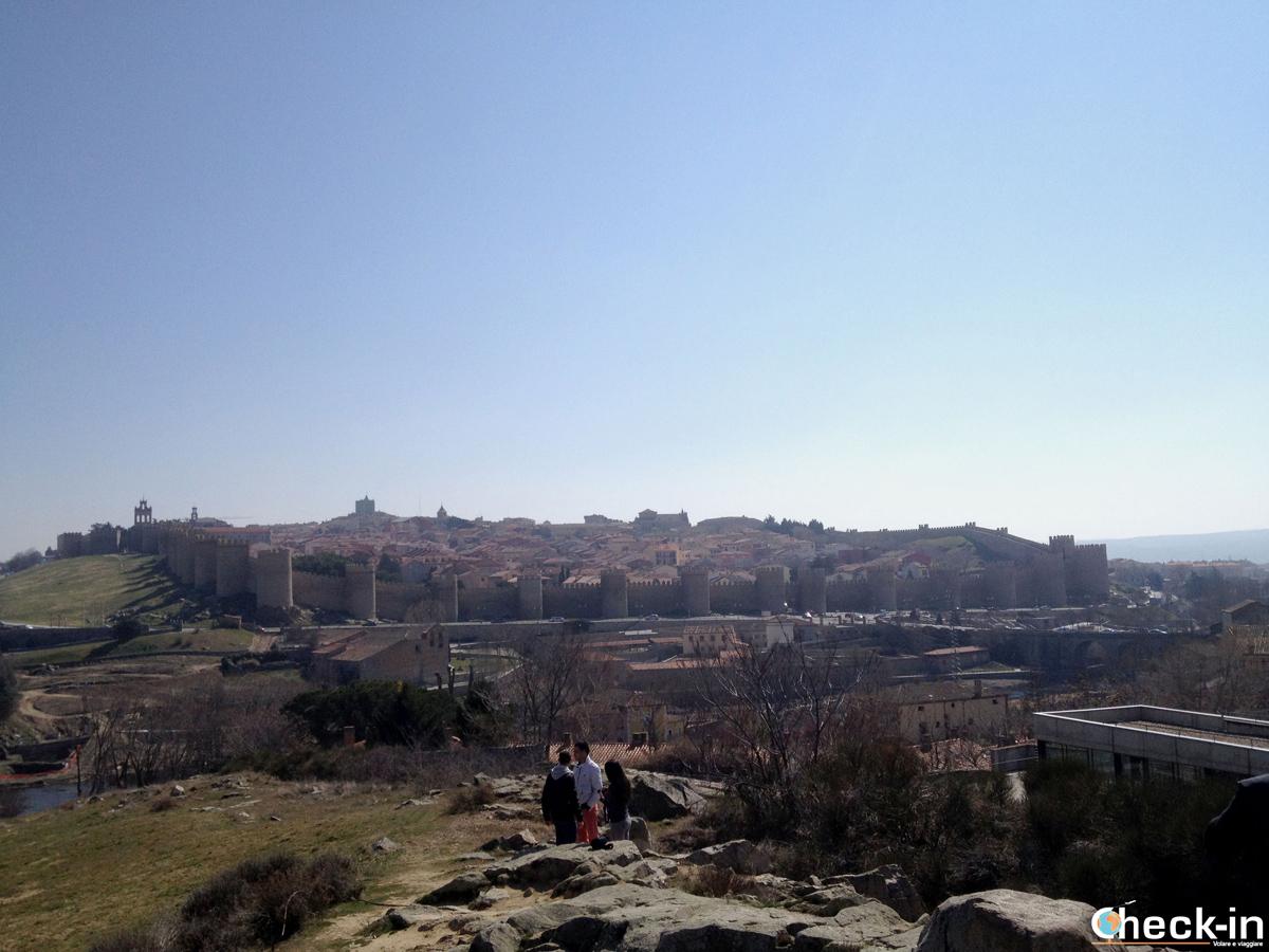 Cosa vedere a Avila: vista panoramica da Los Cuatro Postes