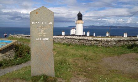 Dunnet Head, a piedi verso il Faro situato nel punto più settentrionale della Scozia