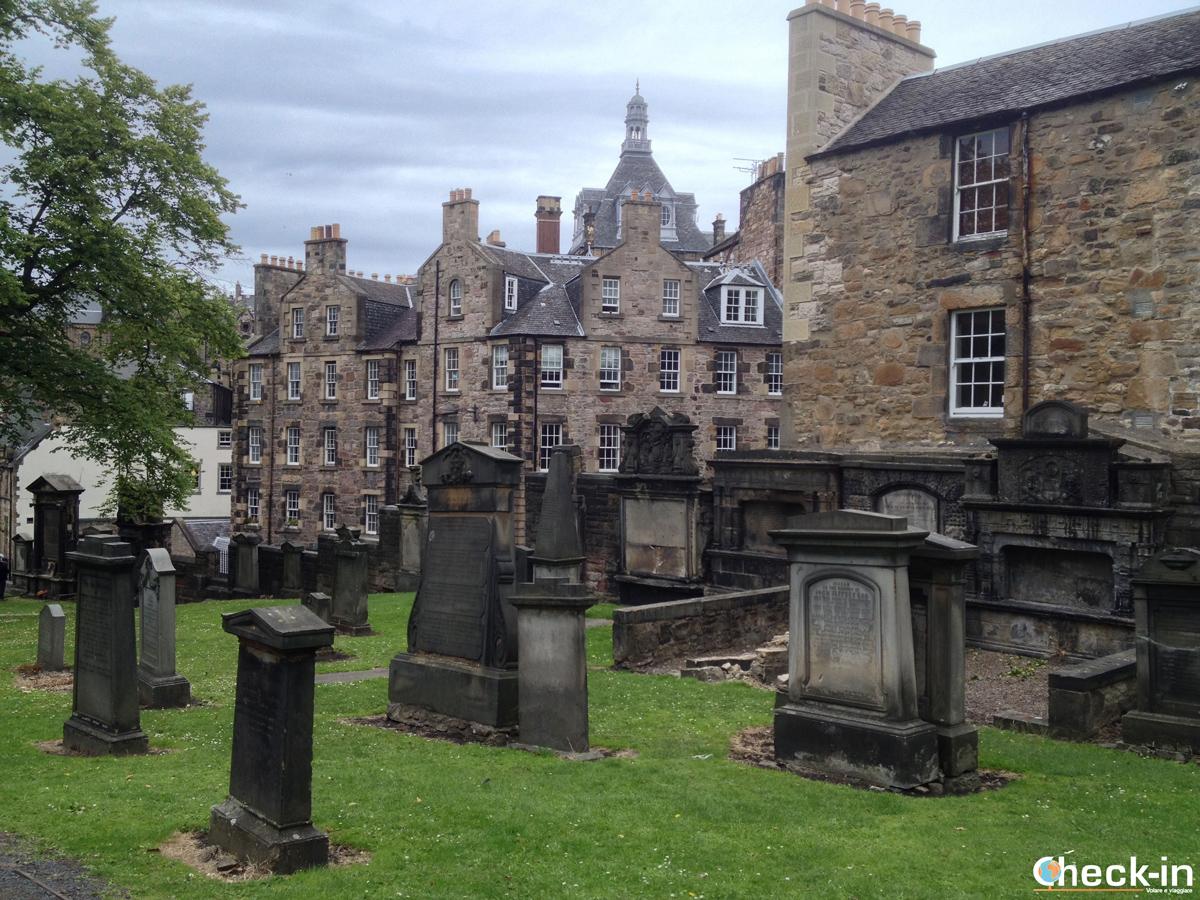 La Old Town di Edimburgo: tombe di Greyfriars