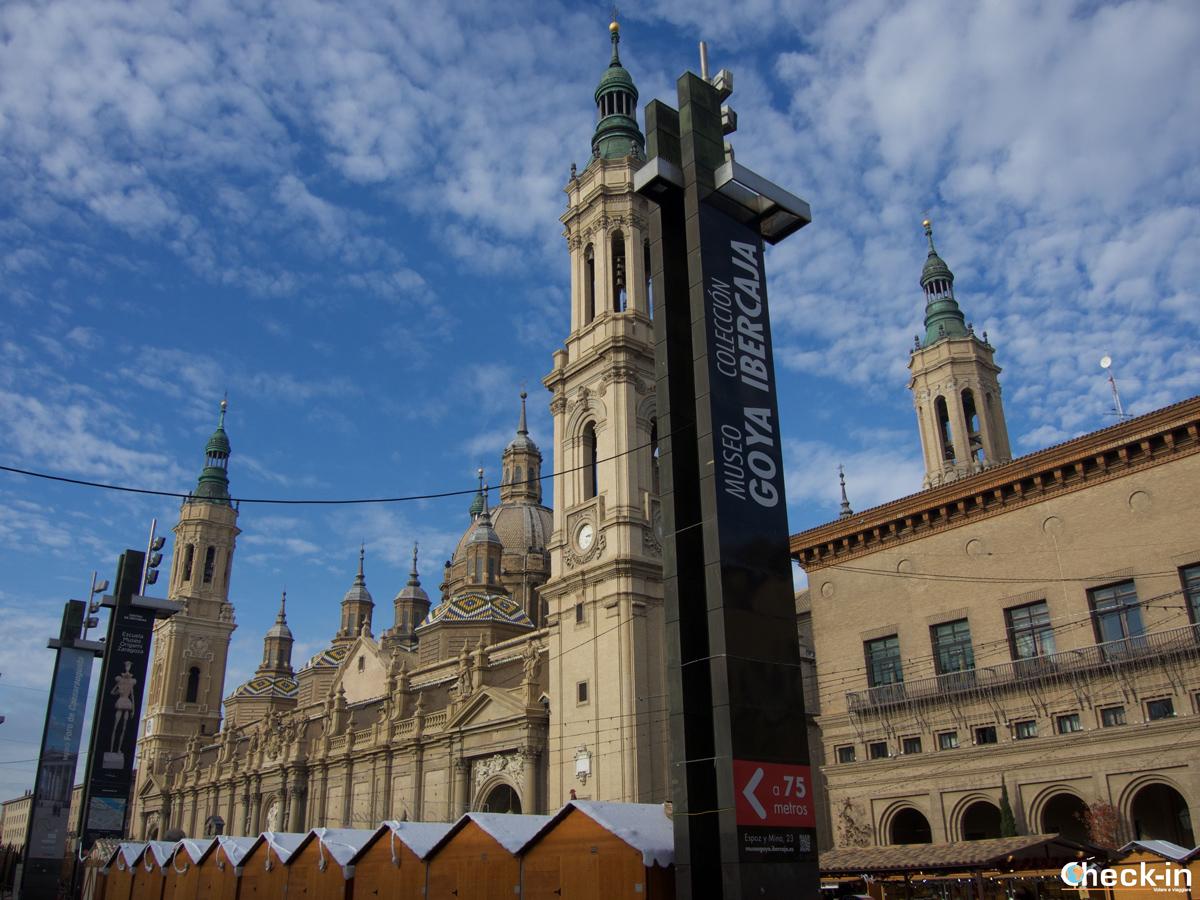 Cosa vedere nel centro storico di Saragozza: Piazza del Pilar con scorcio della Basilica barocca