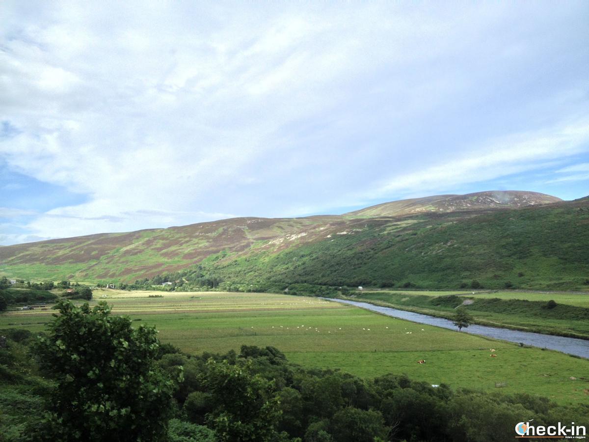 Viaggiare per la Scozia coi mezzi pubblici: panorama dal finestrino