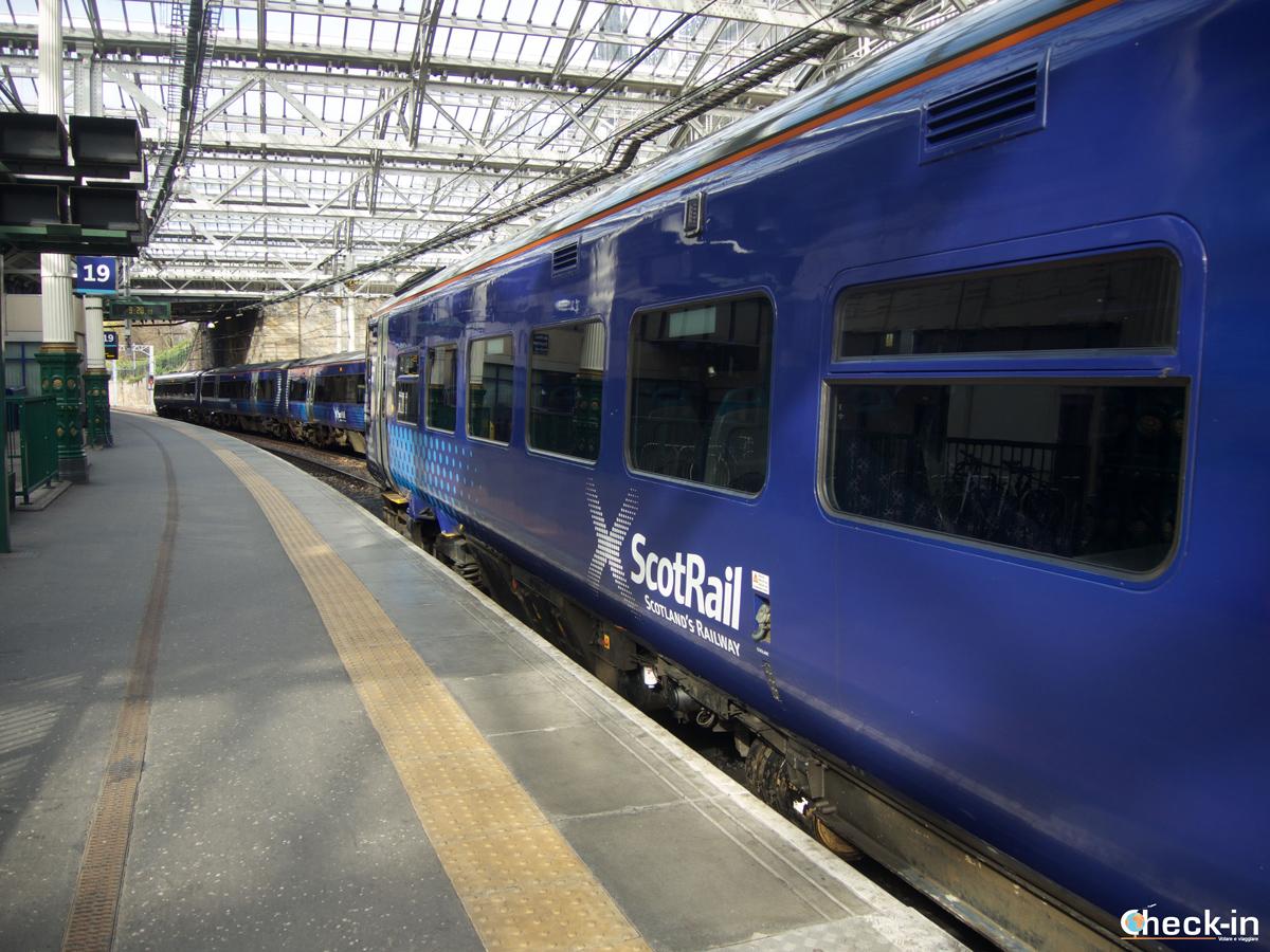 Da Edimburgo Waverley ad Aberdour con ScotRail