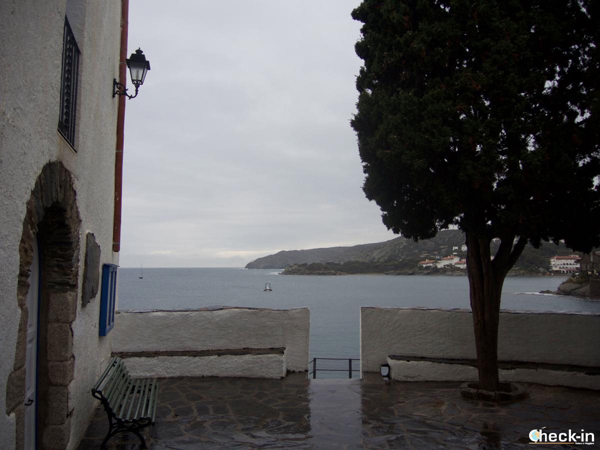 Panchina vista mare di Cadaqués