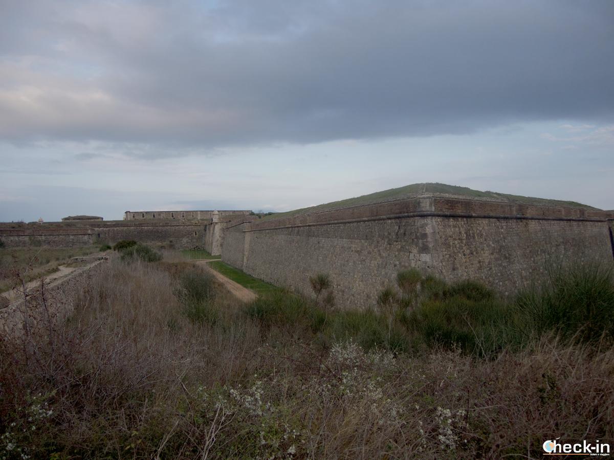 Le mura della Fortezza di Sant Ferran di Figueres