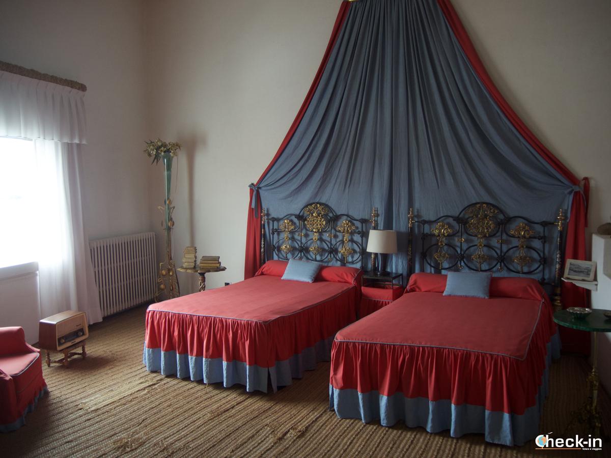 La camera da letto nella casa di Dalí a Port Lligat