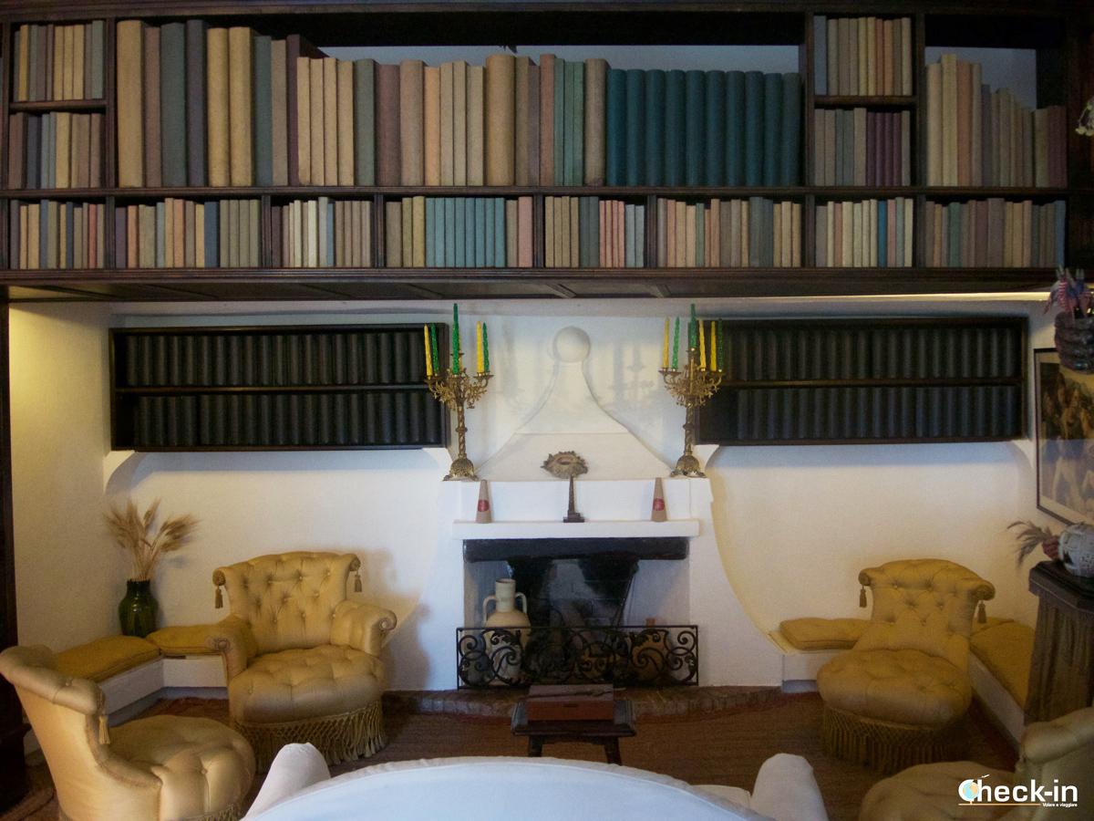 La libreria di Dalí nella sua casa di Port Lligat