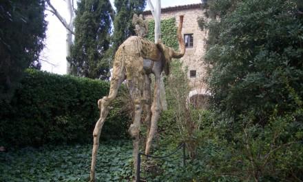 """Fare il """"triangolo daliniano"""" in Costa Brava: da Girona a Púbol per visitare il Castello Gala-Dali"""