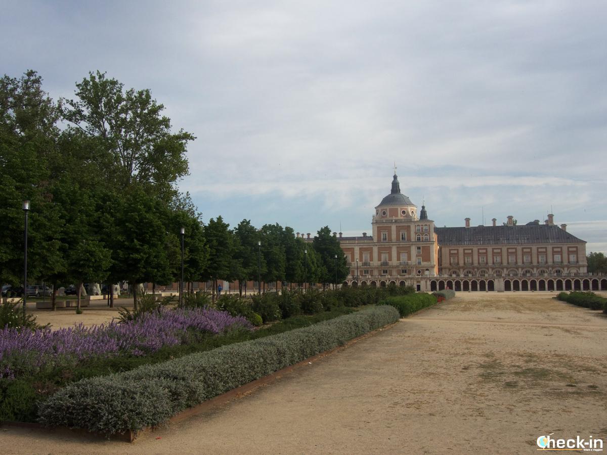 Il Palacio Real di Aranjuez visto da Plaza de Parejas