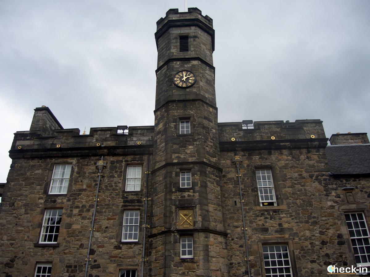 """Il """"Palace"""" del Castello di Edimburgo con all'interno il Tesoro Reale"""