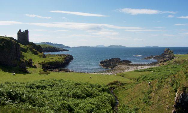 Kerrera Island, escursione da Oban tra natura, pecore e le rovine del Gylen Castle