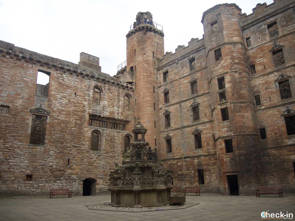 Il cortile interno di Linlithgow Palace