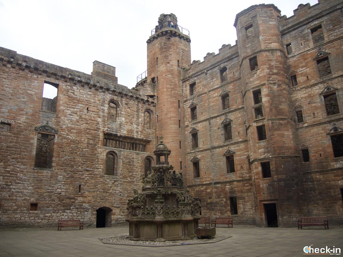 Il cortile interno di Linlithgow Palace