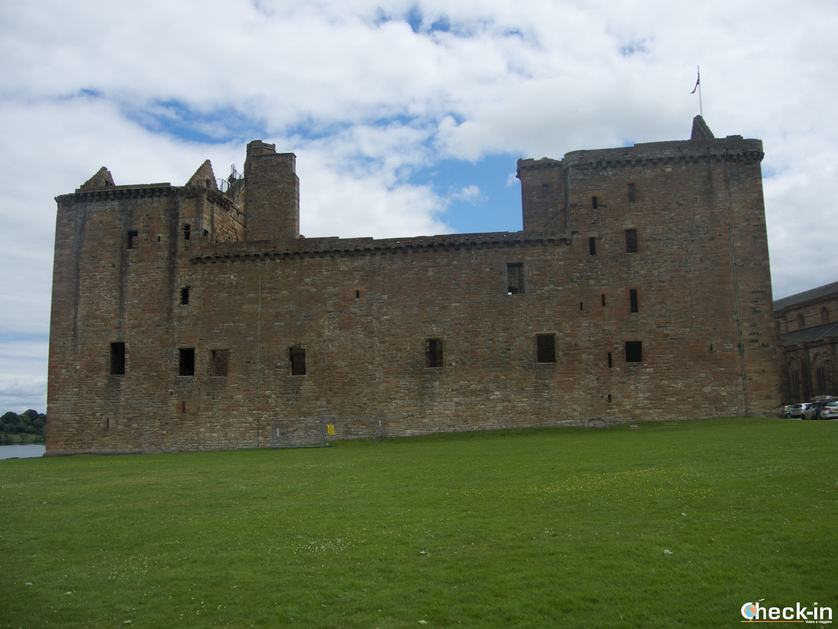 Costeggiando Linlithgow Palace
