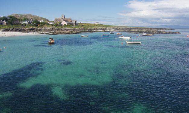 Isole Ebridi interne, tour giornaliero di Mull, Staffa e Iona con partenza da Oban con la compagnia West Coast Tours