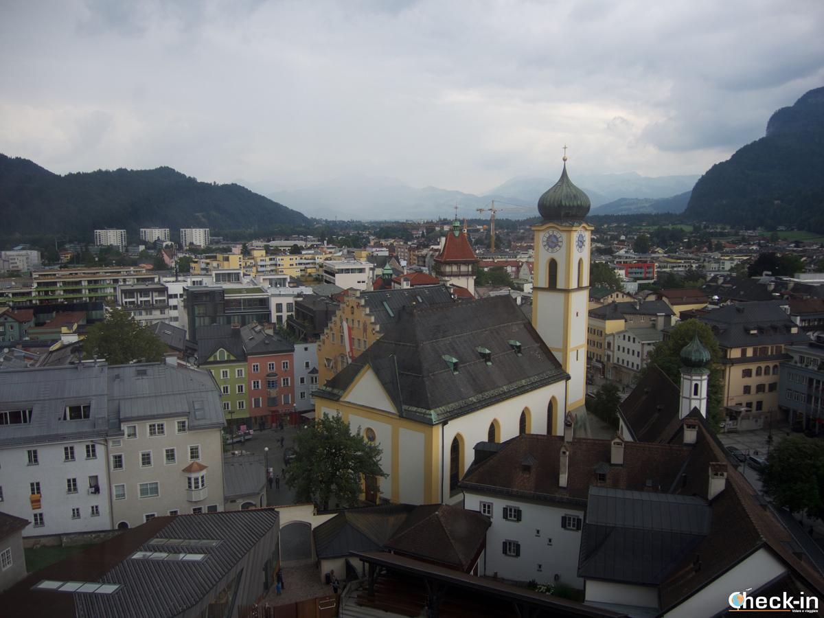 Panorama di Kufsteing dalla funivia Maximilan I della Fortezza