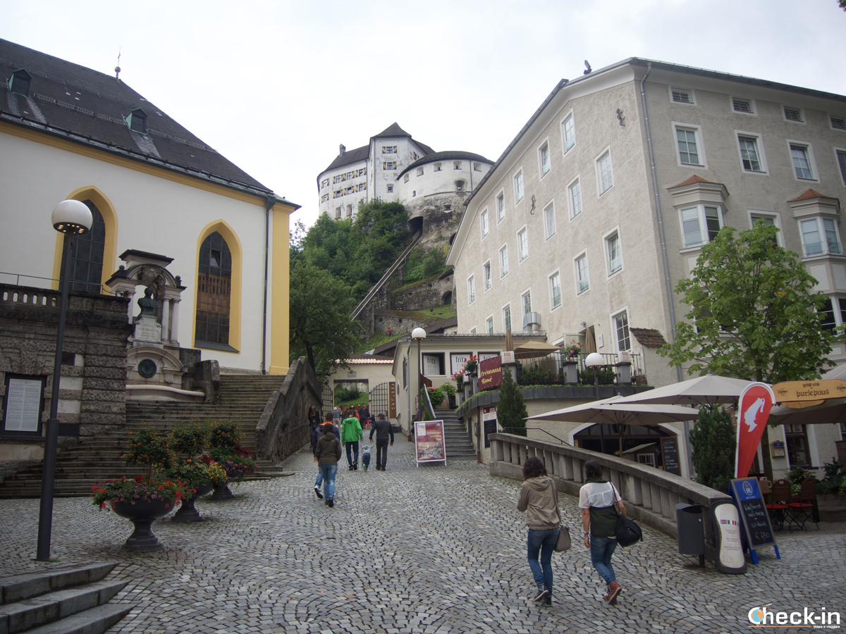 Cosa vedere a Kufstein: la Fortezza vista da Unterer Stadtplazt