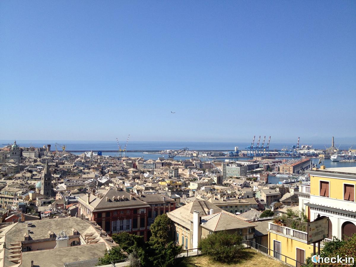 """Cosa vedere nel centro storico di Genova: il """"Belvedere Luigi Montaldo"""" presso Spianata Castelletto"""