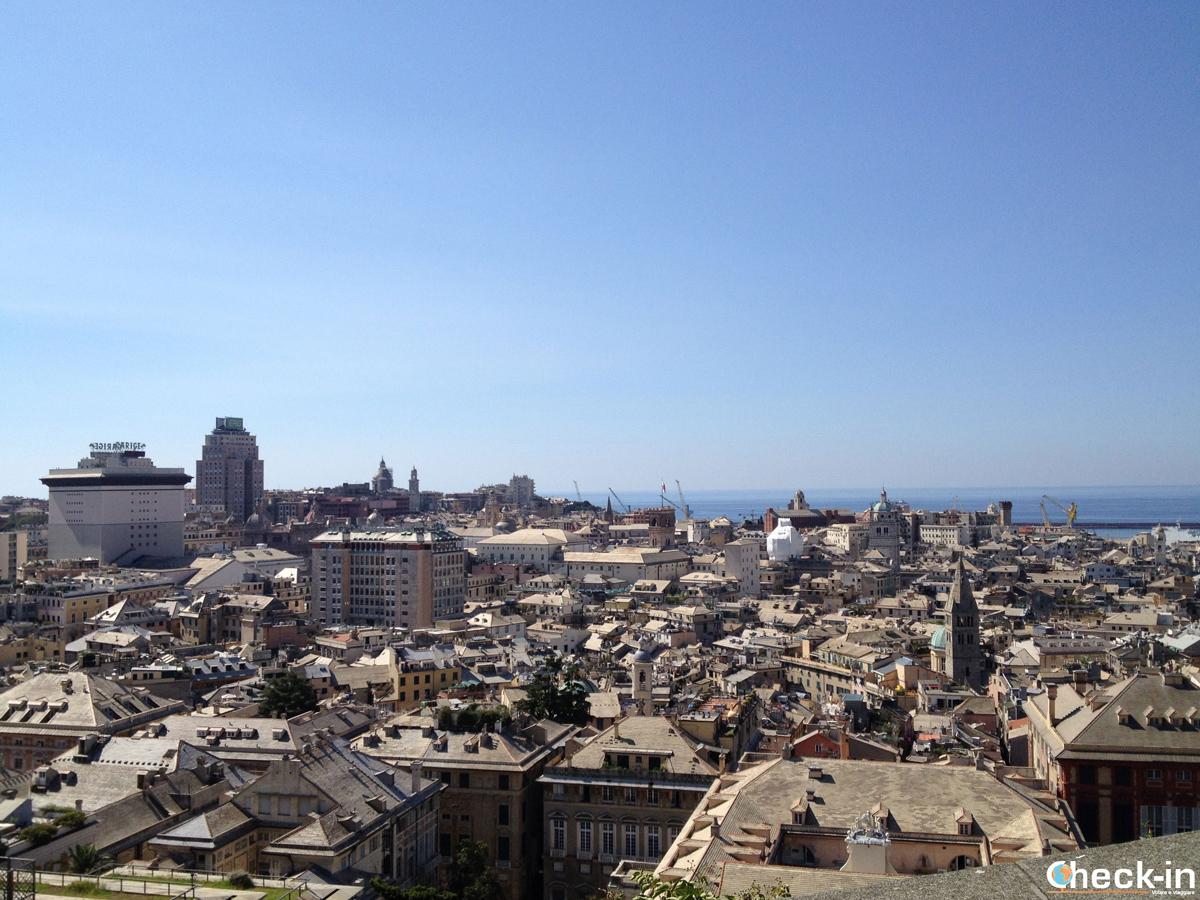 """Cosa vedere nel centro storico di Genova: il """"Belvedere Luigi Montaldo"""" a Spianata Castelletto"""