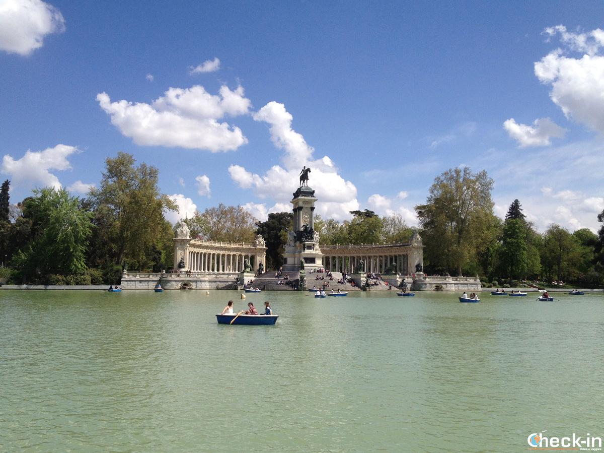 Que ver en Madrid: el estanque central en el Parque del Buen Retiro