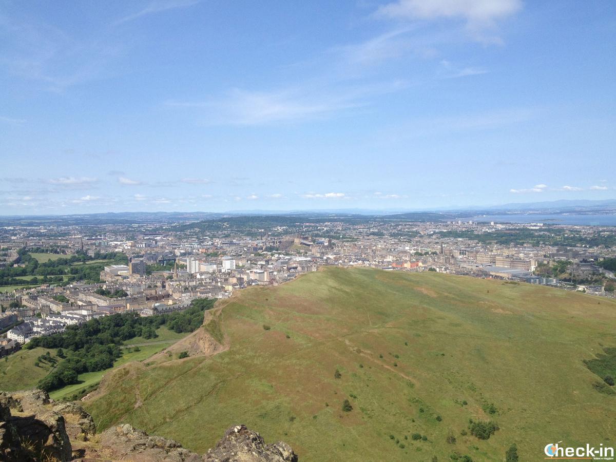 Tour panoramico di Edimburgo in un giorno: panorama dall'Arthur's Seat