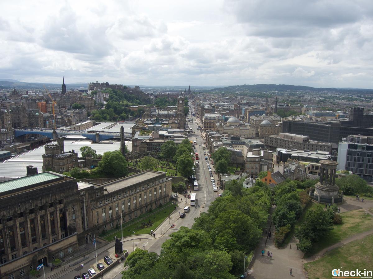 Il Castello di Edimburgo visto dal Nelson Monument a Calton Hill