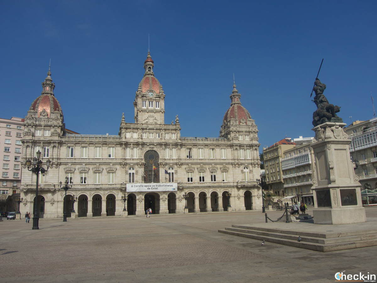 Cosa vedere a La Coruña: Plaza María Pita