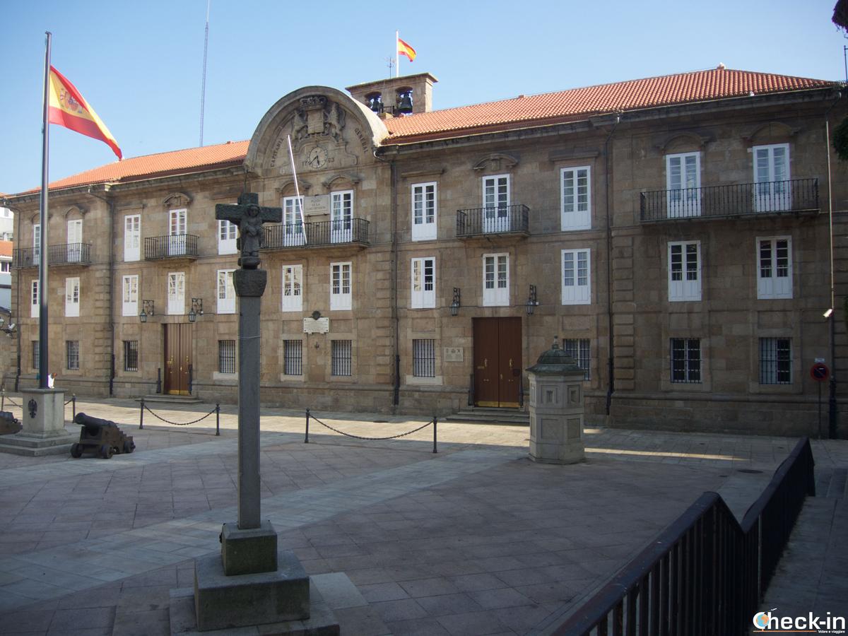 Que ver en La Coruña en dos días: Praza da Constitución en la Ciudad Vieja