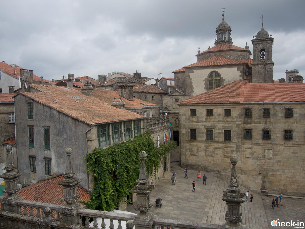 Que ver en Santiago de Compostela en tres días: Praza da Quitana vista de la Cubiertas de la Catedral