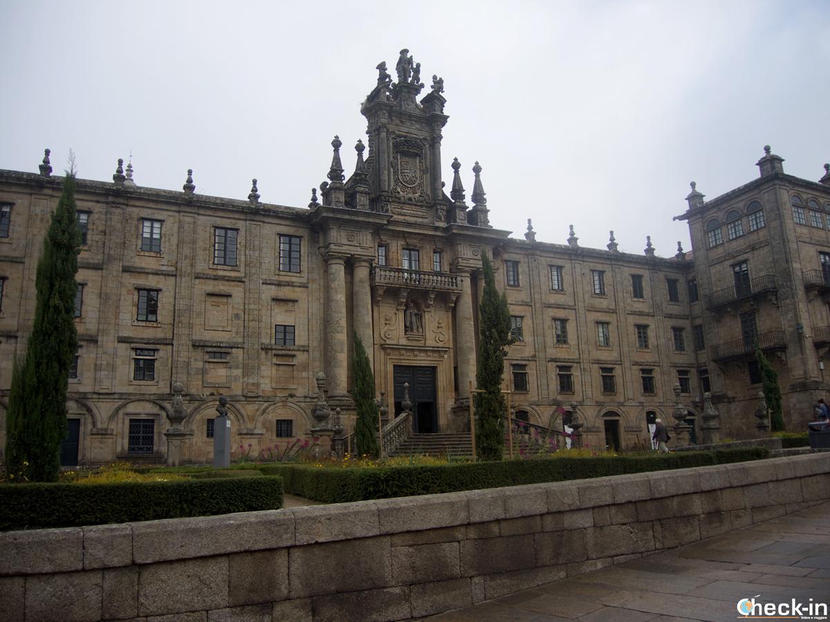 Cosa vedere nel centro storico di Santiago di Compostela: Praza Inmaculada ed il Monastero di San Martiño Pinario