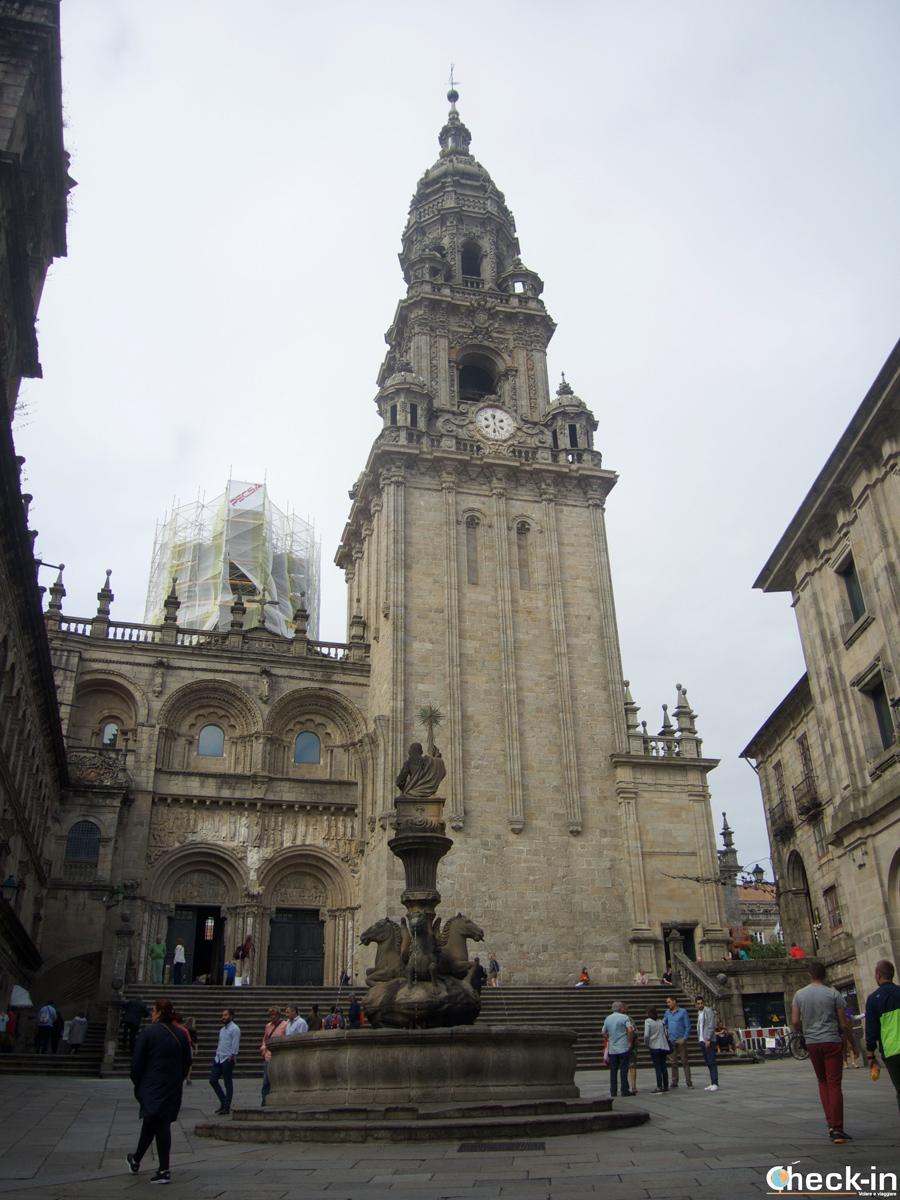 Cosa vedere nel centro storico di Santiago di Compostela: la Cattedrale vista da Praza das Praterías