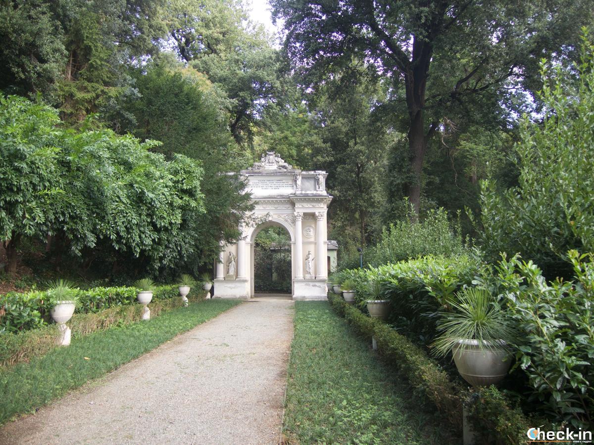 Visita di Villa Durazzo Pallavicini: l'Arco di Trionfo